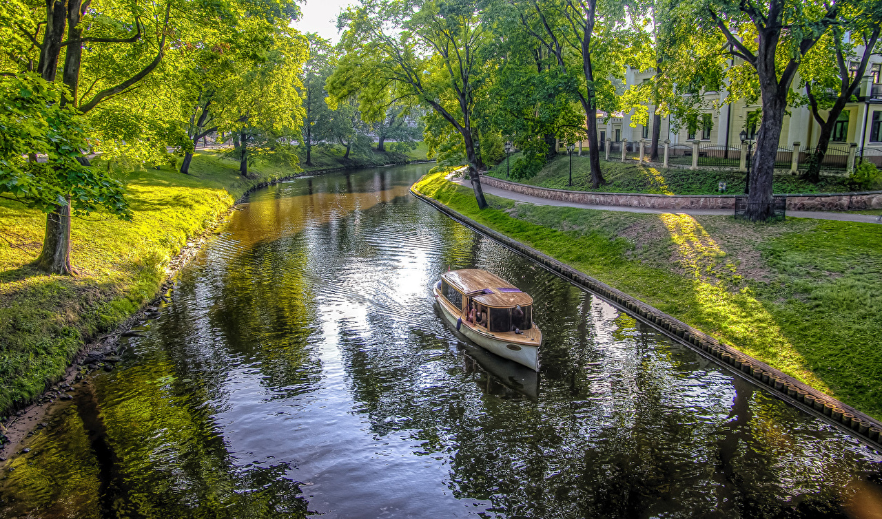 Desktop Wallpapers Latvia Riga HDRI Canal Nature park speedboat Trees HDR Parks Motorboat powerboat