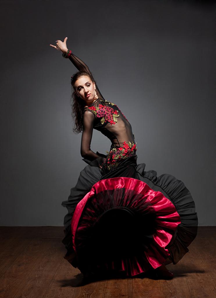 Foto Tanz junge Frauen Kleid Tanzen Mädchens junge frau