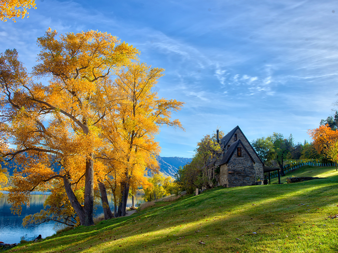 Foto Neuseeland Queenstown HDR Natur Herbst Gras Bäume Gebäude HDRI Haus