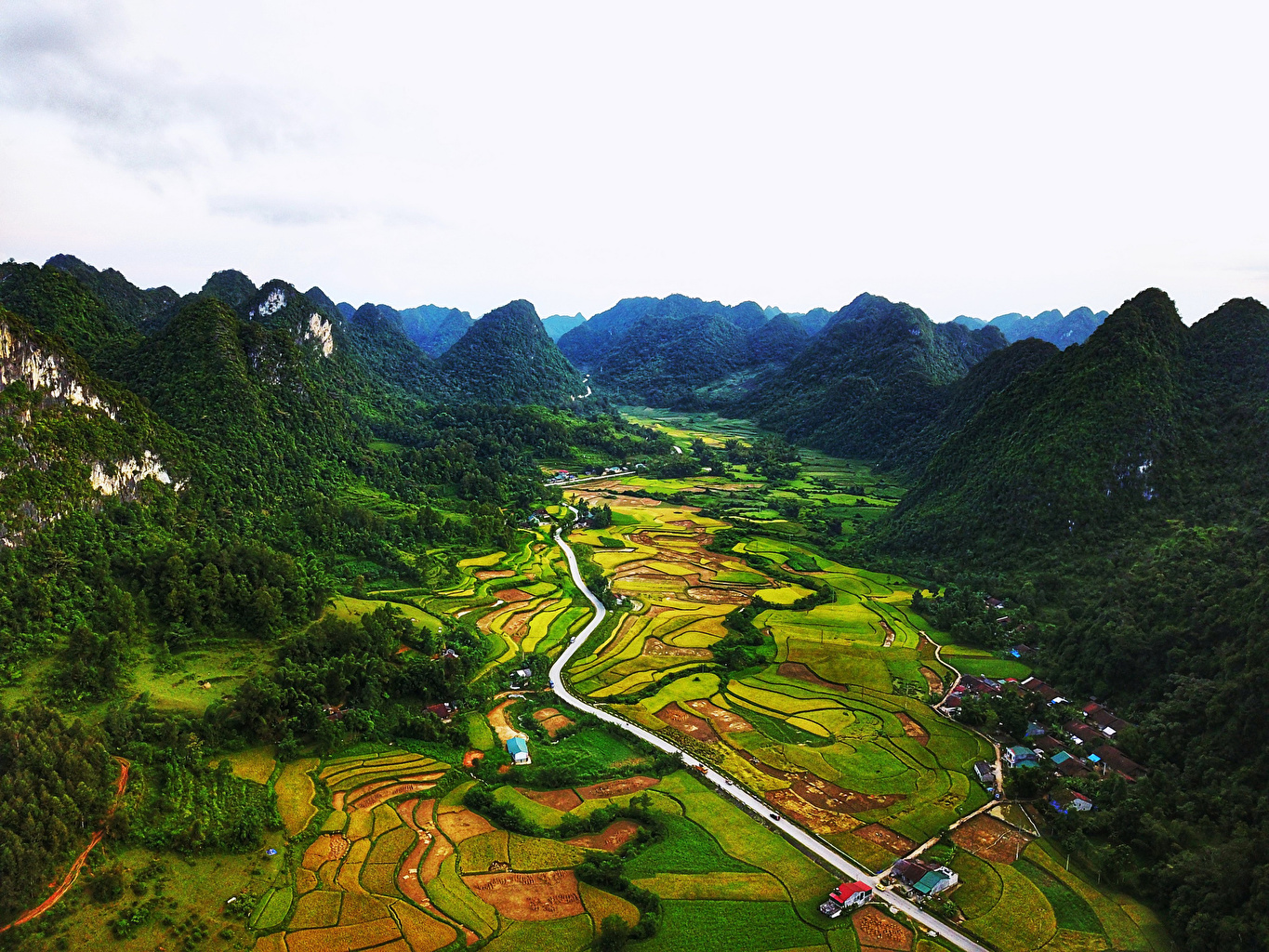 Pictures Vietnam Bac Can Nature mountain Roads Fields Mountains