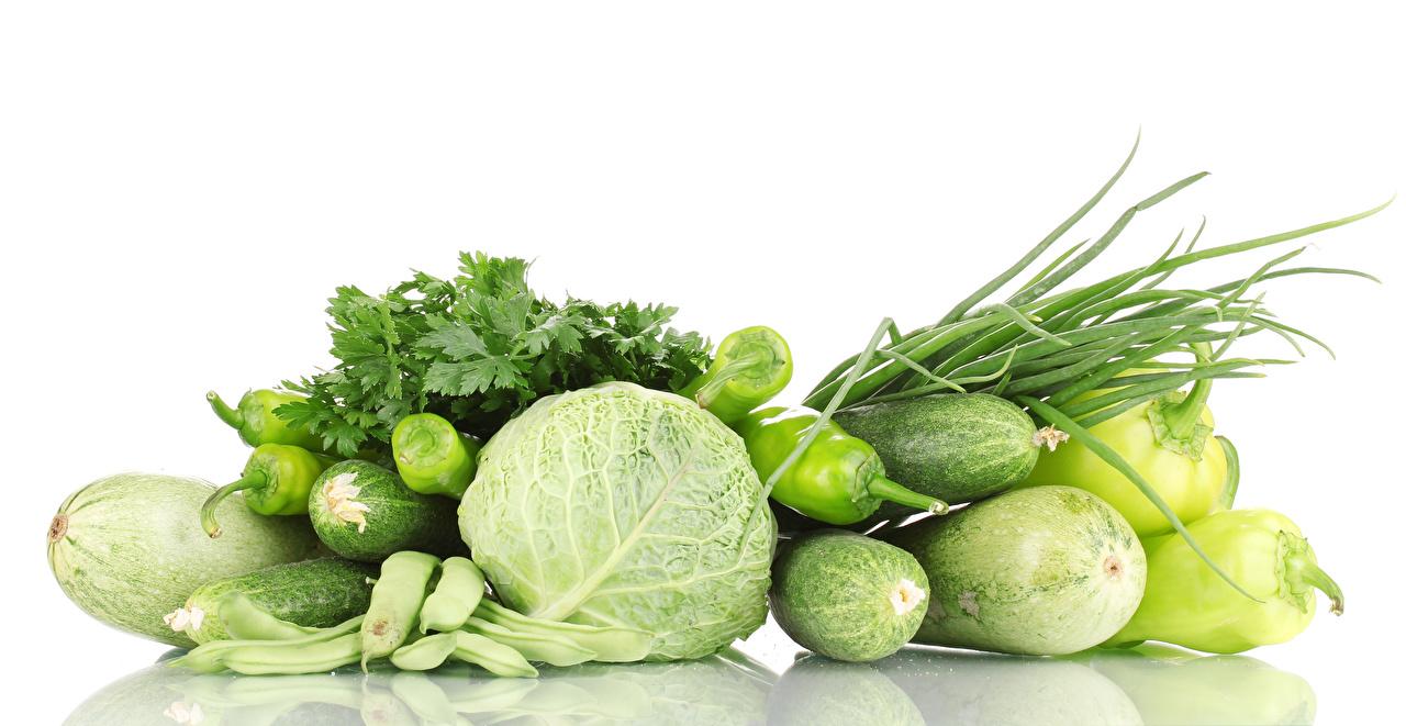 Bilder Kohl Gurke Zucchini Gemüse Paprika das Essen Weißer hintergrund Lebensmittel