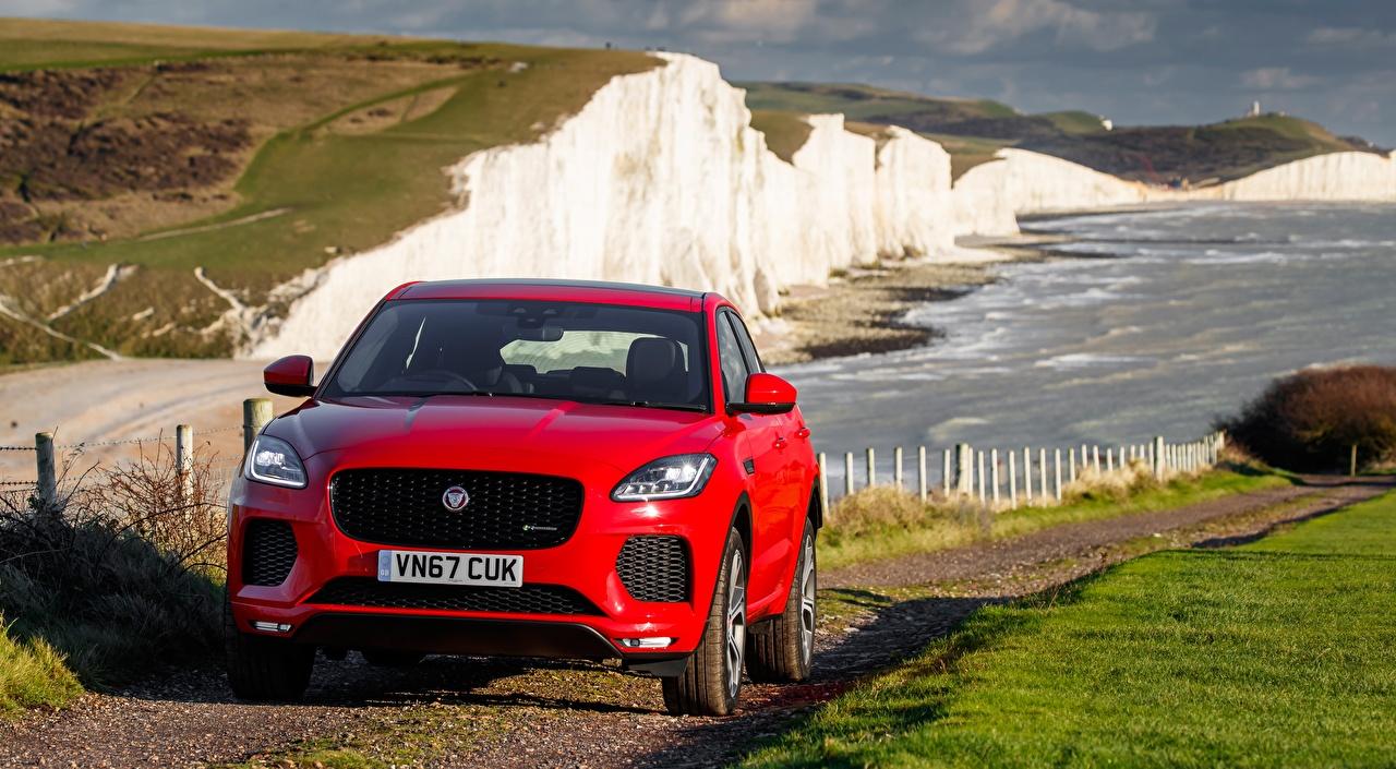 Fotos Jaguar Crossover E-Pace, R-Dynamic First Edition, UK-spec, 2017 Rot Vorne automobil Softroader auto Autos