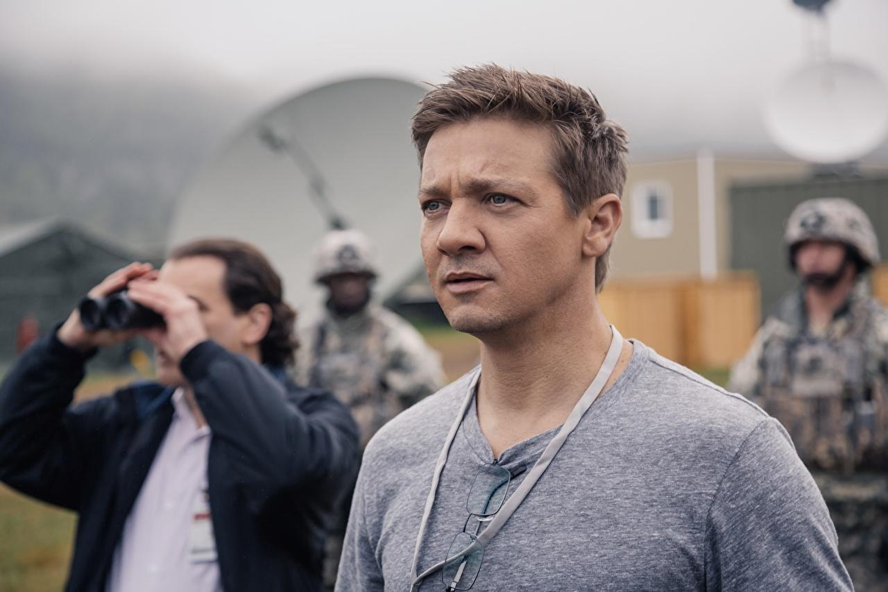 Foto Jeremy Renner Mann Arrival 2016 Film Prominente