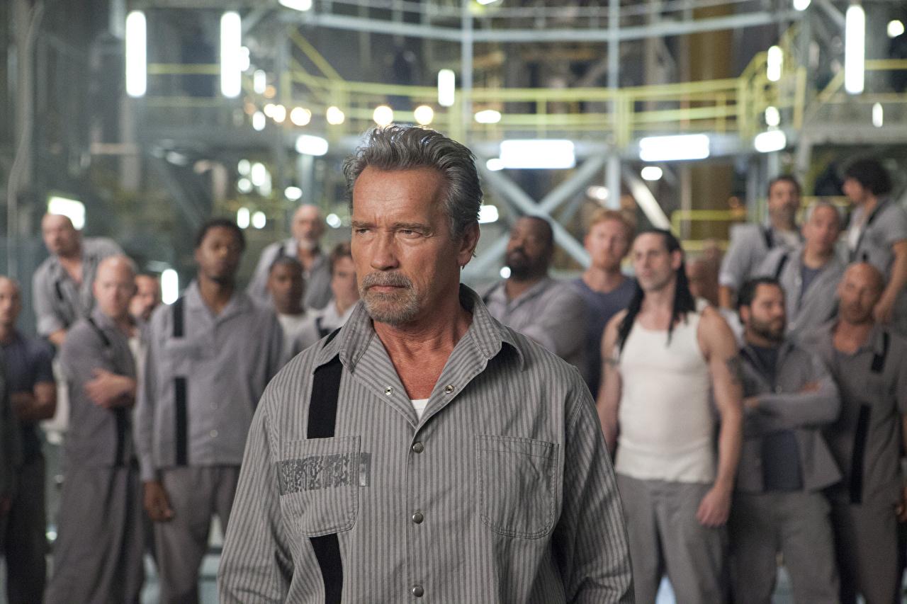 Sfondi del desktop Escape Plan - Fuga dall'inferno Arnold Schwarzenegger un uomo Film Celebrità Uomini