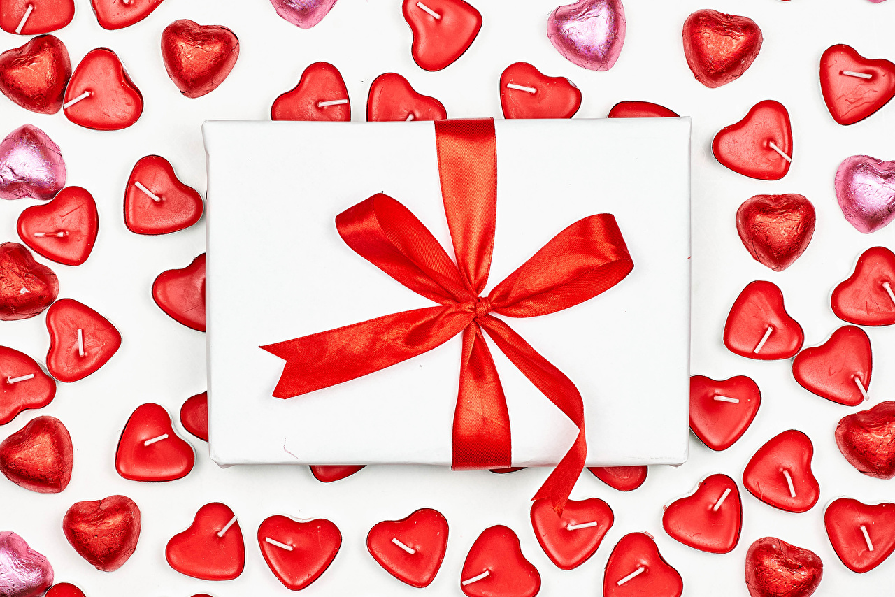 Image Valentine's Day Heart Candy Gifts Candles Bowknot White background present bow knot