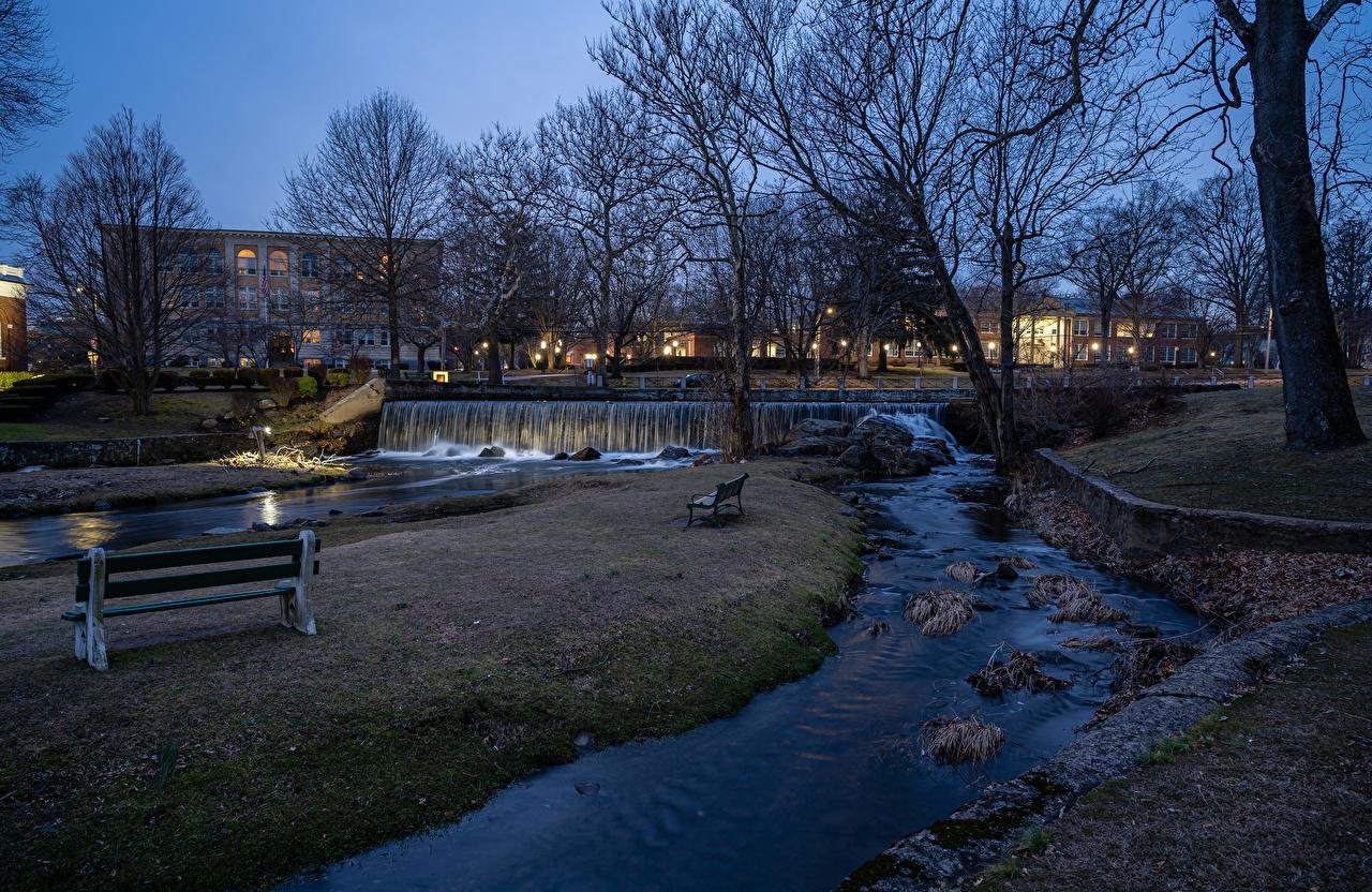 Desktop Hintergrundbilder England Milford Wasserfall Parks Abend Flusse Bank (Möbel) Städte Gebäude Park Fluss Haus