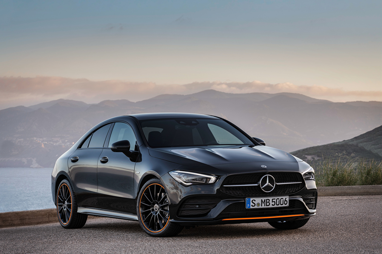 Mercedes-Benz_2019_CLA_250_AMG_Line_Edition_Orange_562209_1280x853.jpg