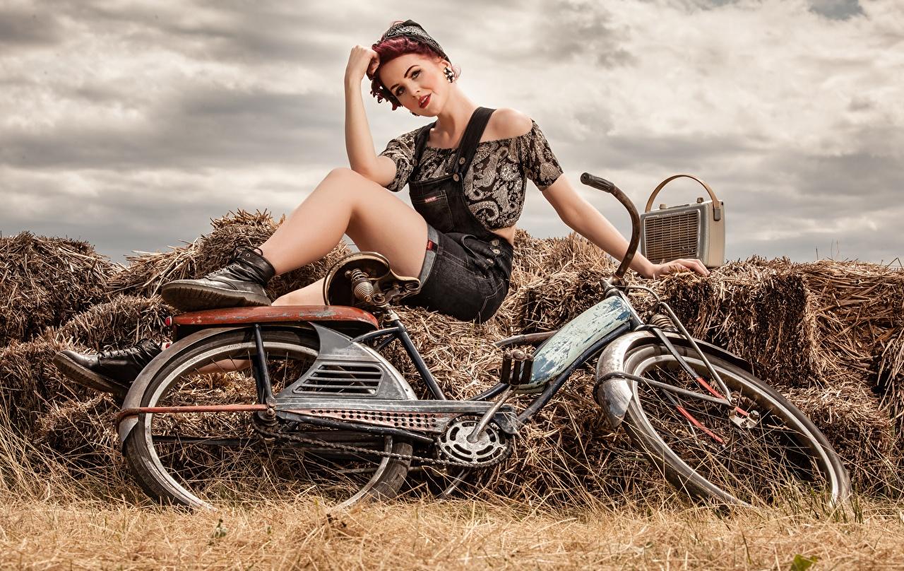Photos Bicycle Retro Girls Radio receiver Hay Sitting bike bicycles Radio female vintage antique young woman sit