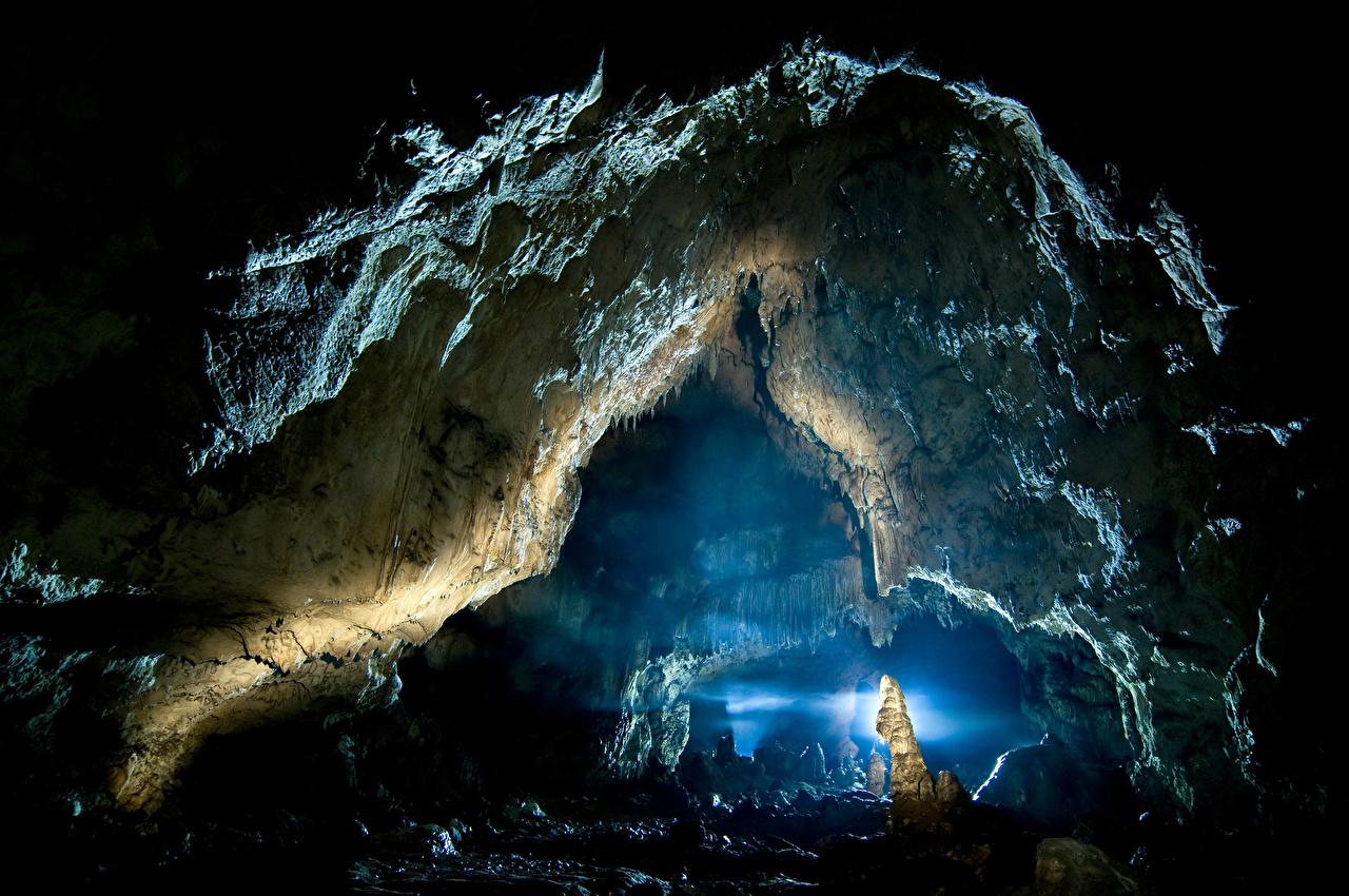 Picture Cave Crag Nature Rock caves Cliff