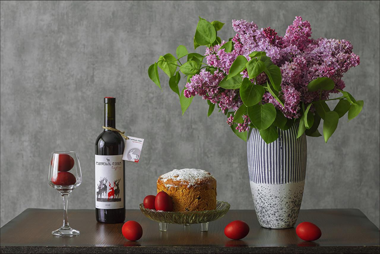 Bilder von Ostern eier Wein Kulitsch Blumen Syringa Vase Flasche Weinglas das Essen Stillleben Ei Blüte Flieder flaschen Lebensmittel