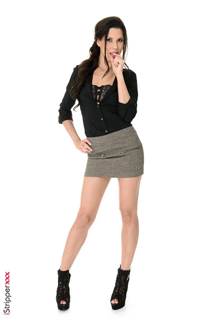 iStripper Alexa Tomas Cabello negro Nia Pose Mano Falda Pierna Tacón El fondo blanco mujer joven, mujeres jóvenes, Zapatos de tacón, posando Chicas para móvil Teléfono