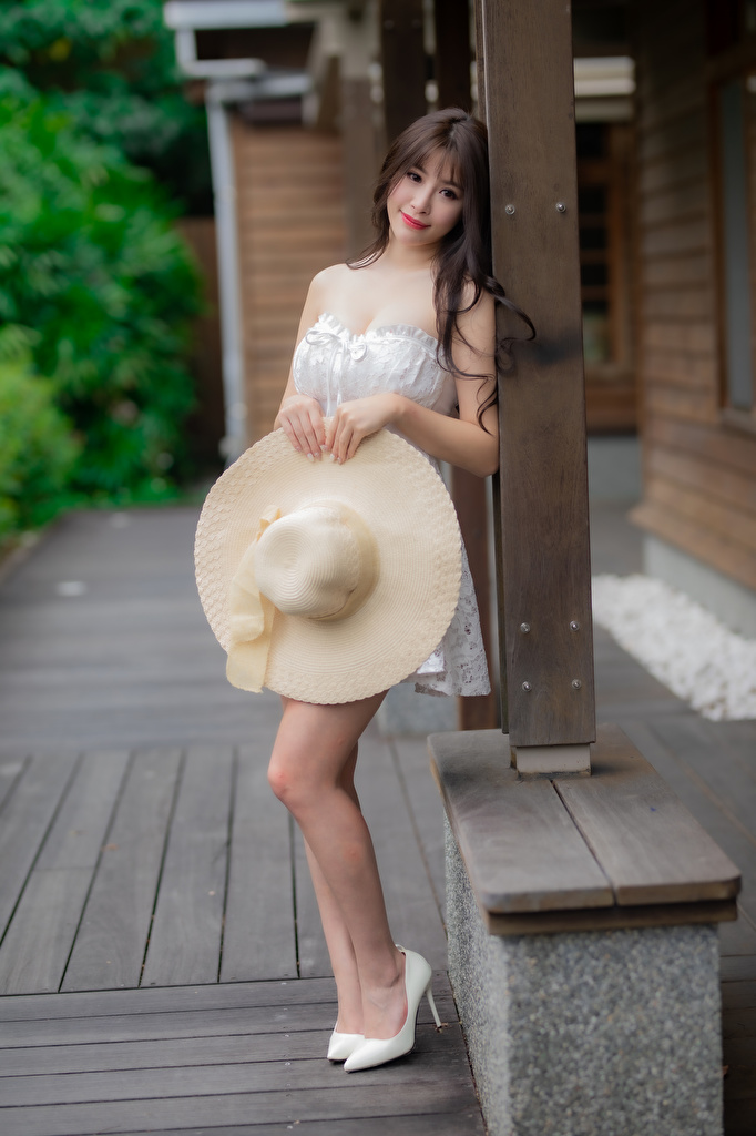 Photo Hat Girls Asiatic Glance  for Mobile phone female young woman Asian Staring