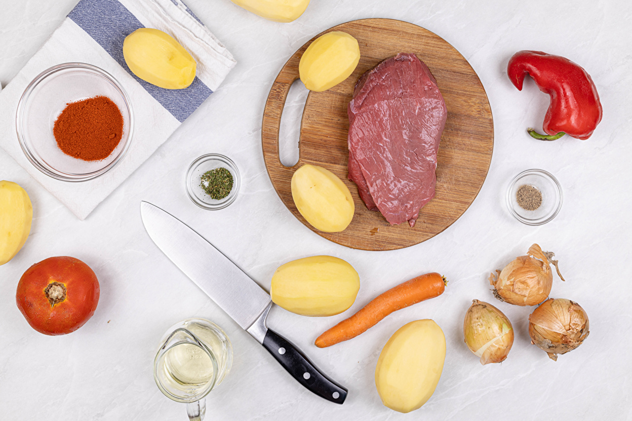 Picture Knife Onion Potato Carrots Tomatoes Food Spices Bell pepper Cutting board Meat products Seasoning