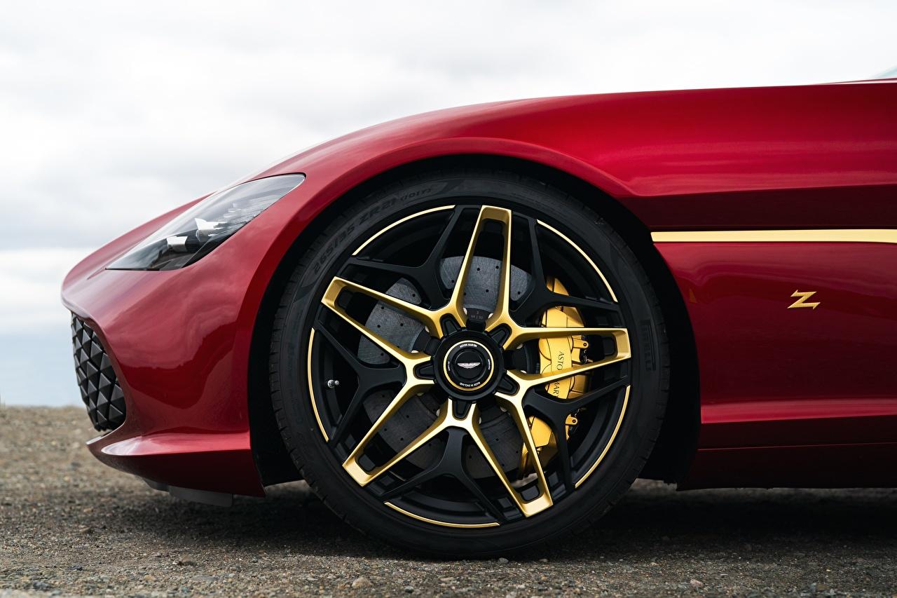 Foto Aston Martin Zagato 2020 V12 Twin-Turbo DBS GT 760 Rad Rot Autos Räder auto automobil