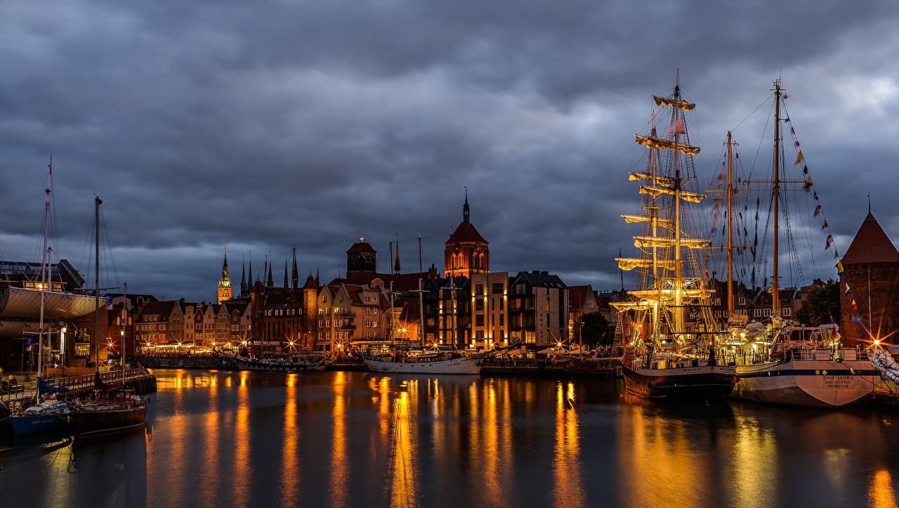 Image Gdańsk Poland Ships Bay Pier Sailing Evening Cities Building ship Berth Marinas Houses