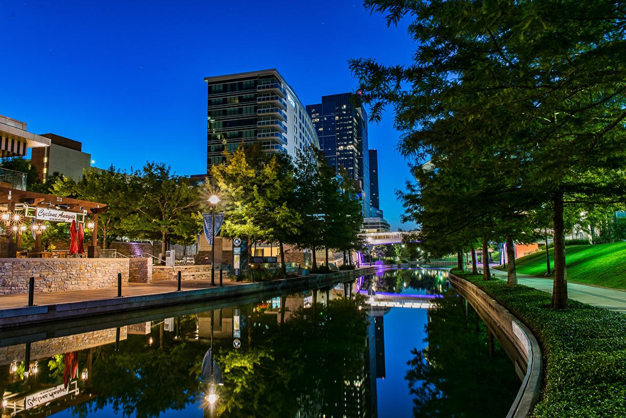 Bilder von Texas USA Woodlands Waterway Kanal Abend Straßenlaterne Haus Bäume Städte Vereinigte Staaten Gebäude