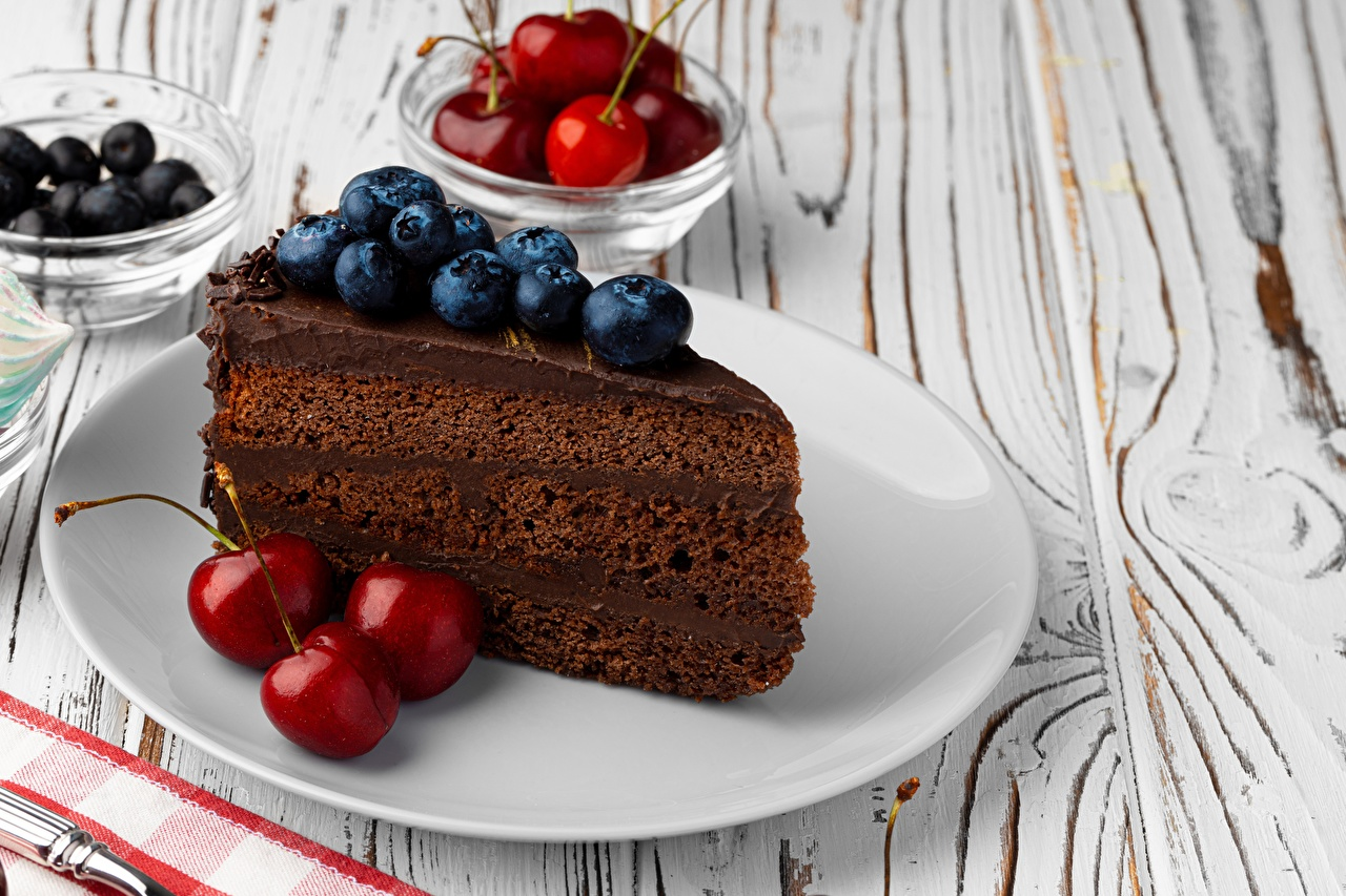 Images Cakes Piece Cherry Blueberries Food Berry Plate Little cakes Torte pieces