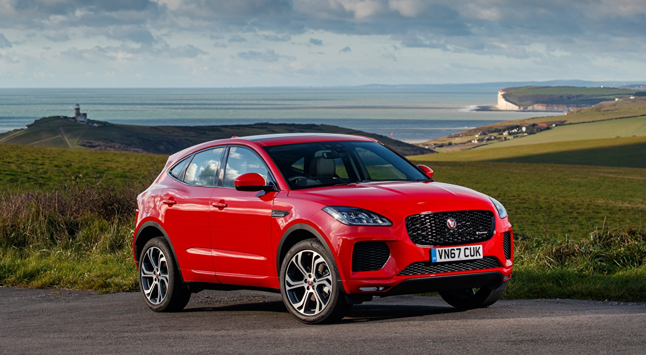 Bilde Jaguar Crossover E-Pace, R-Dynamic, First Edition, UK-spec, 2017 Rød Biler CUV bil automobil
