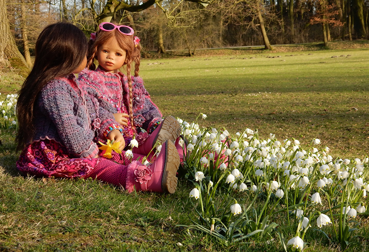 Photo Little girls Germany Doll Grugapark Essen Two Nature Parks Lilies of the valley eyeglasses 2 park Glasses