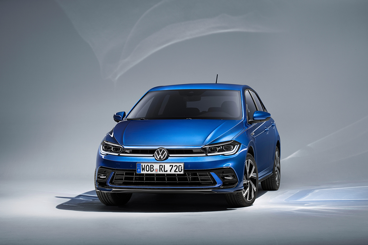Volkswagen Polo R-Line, Worldwide, (Typ AW), 2021 Azul Metálico Na frente carro, automóvel, automóveis Carros