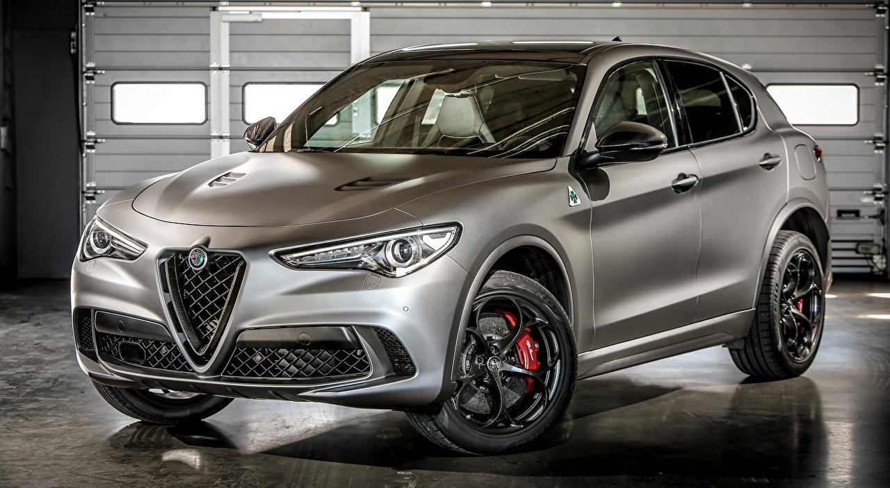 Fotos von Alfa Romeo Softroader Stelvio Quadrifoglio, NRING, 2018 Grau Autos Metallisch Crossover graue graues auto automobil