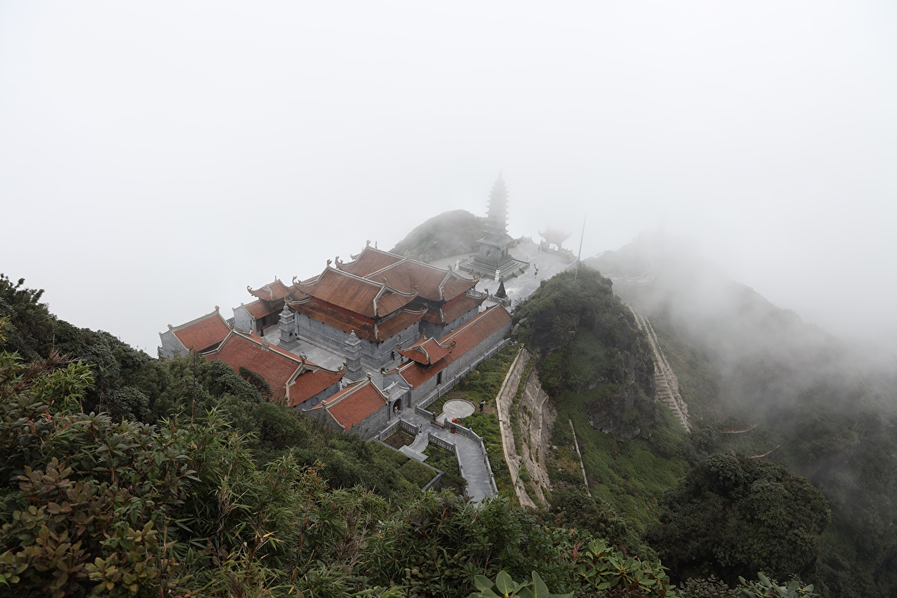 Images Vietnam mount Fansipan, Lao Cai province, Buddhist temple Fog Nature Mountains From above mountain Temples