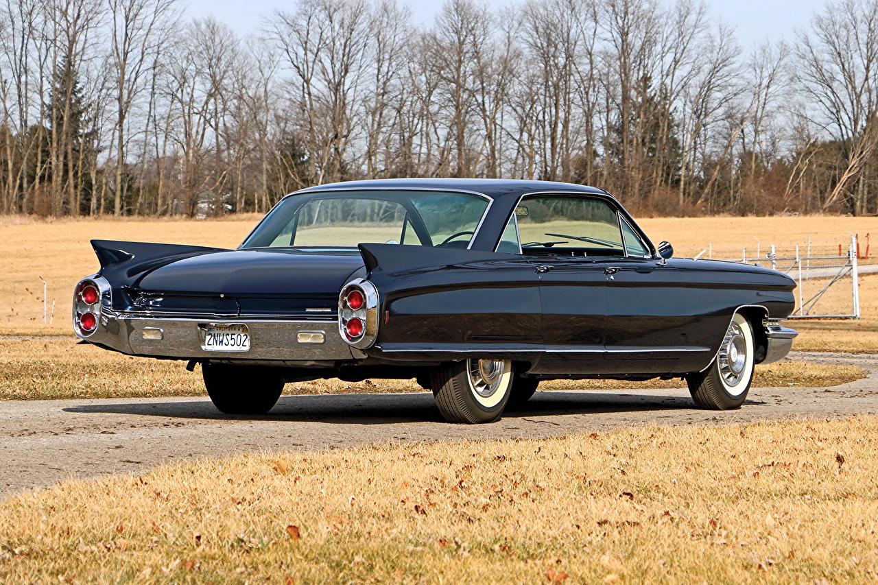 Photo Cadillac Black antique Metallic Back view automobile Retro vintage Cars auto