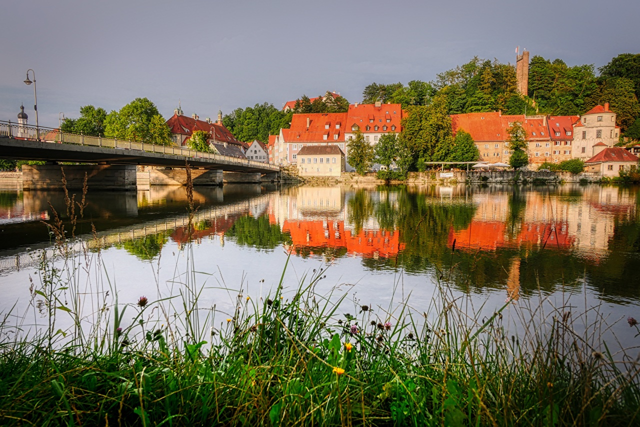 Desktop Wallpapers Germany Landsberg am Lech, Lech river bridge Grass Rivers Cities Building Bridges Houses