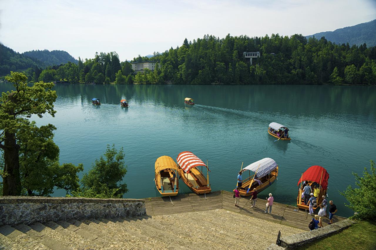 Tapety Słowenia Bled Island Schody Natura Jezioro łódź Przystań przyroda Łodzie