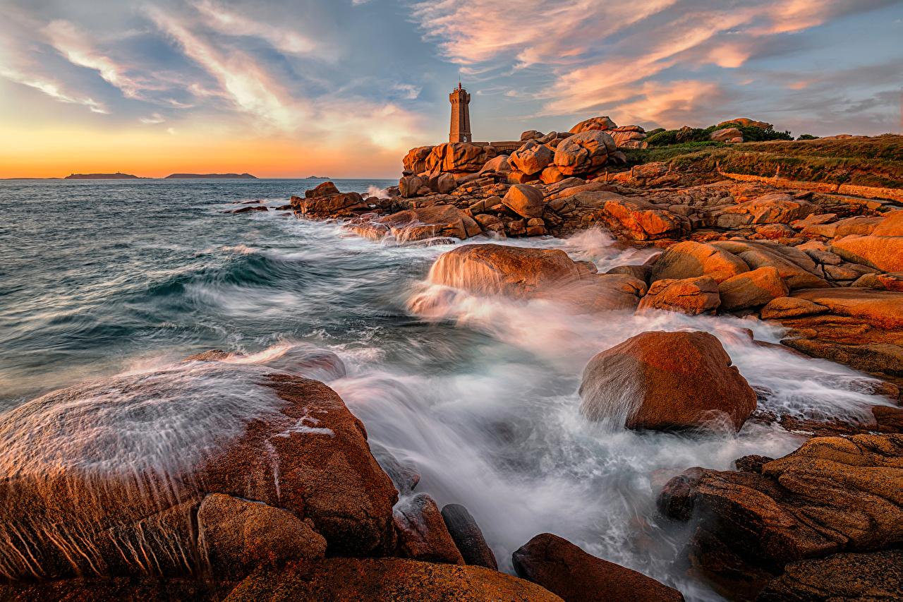 Bilde Frankrike Bretagne Ploumanach Natur Havet Klippe Fyrtarn