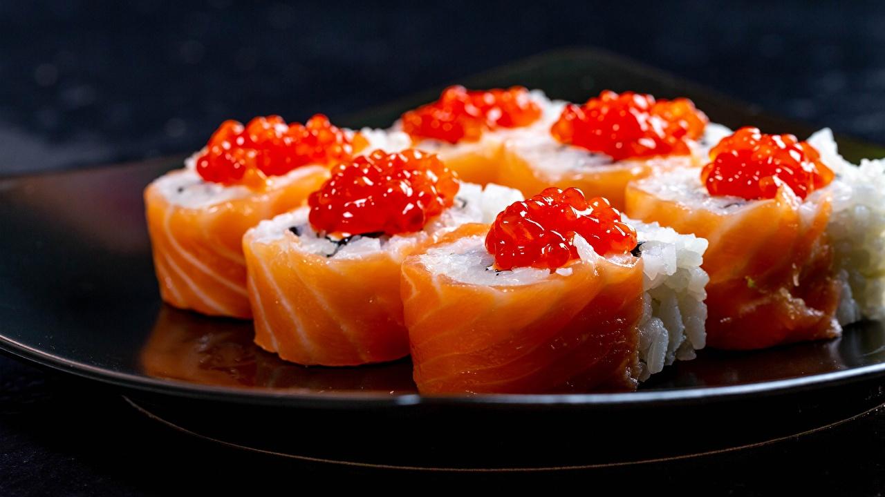 Bilder Reis Sushi Rogen Fische - Lebensmittel das Essen Nahaufnahme Kaviar Caviar Lebensmittel hautnah Großansicht