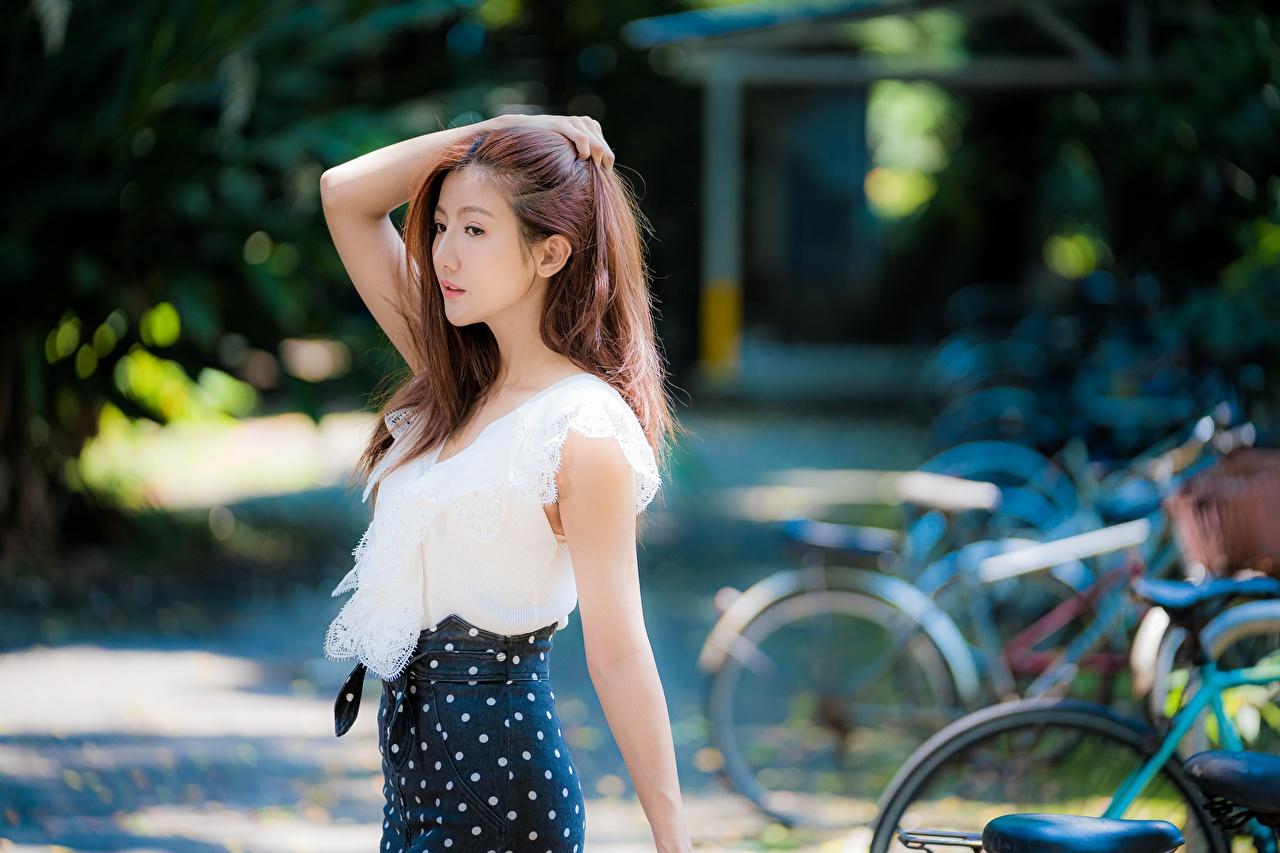 壁紙 アジア人 ボケ写真 ポーズ 茶色の髪の女性 少女