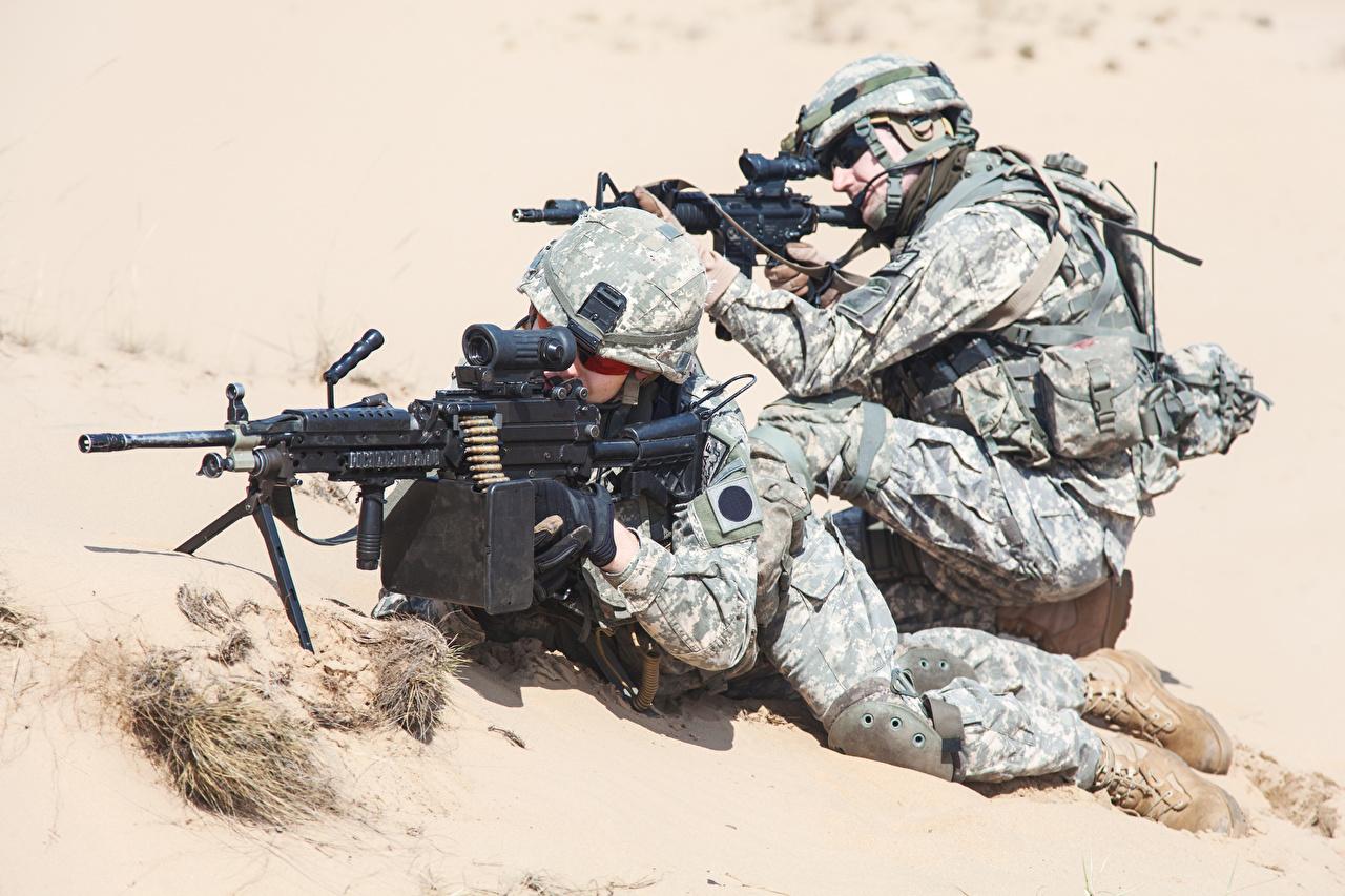 Bilder von Soldaten Sturmgewehr Zwei Uniform Heer 2
