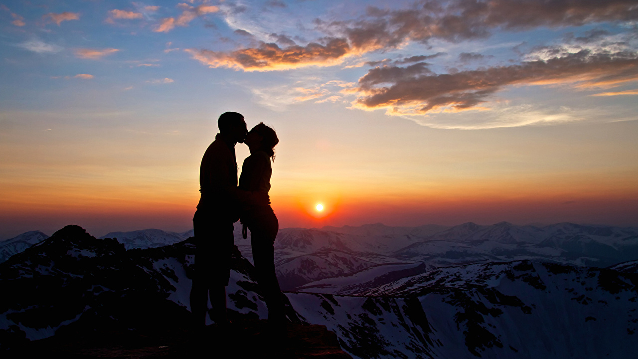 Wallpaper Man lovers silhouettes Two Girls Nature Mountains Sky Sunrises and sunsets Clouds Men Couples in love Silhouette 2 female mountain young woman sunrise and sunset