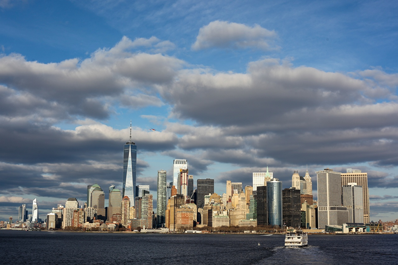 Photo Manhattan New York City USA megalopolis Bay Motorboat Skyscrapers Cities Megapolis speedboat powerboat