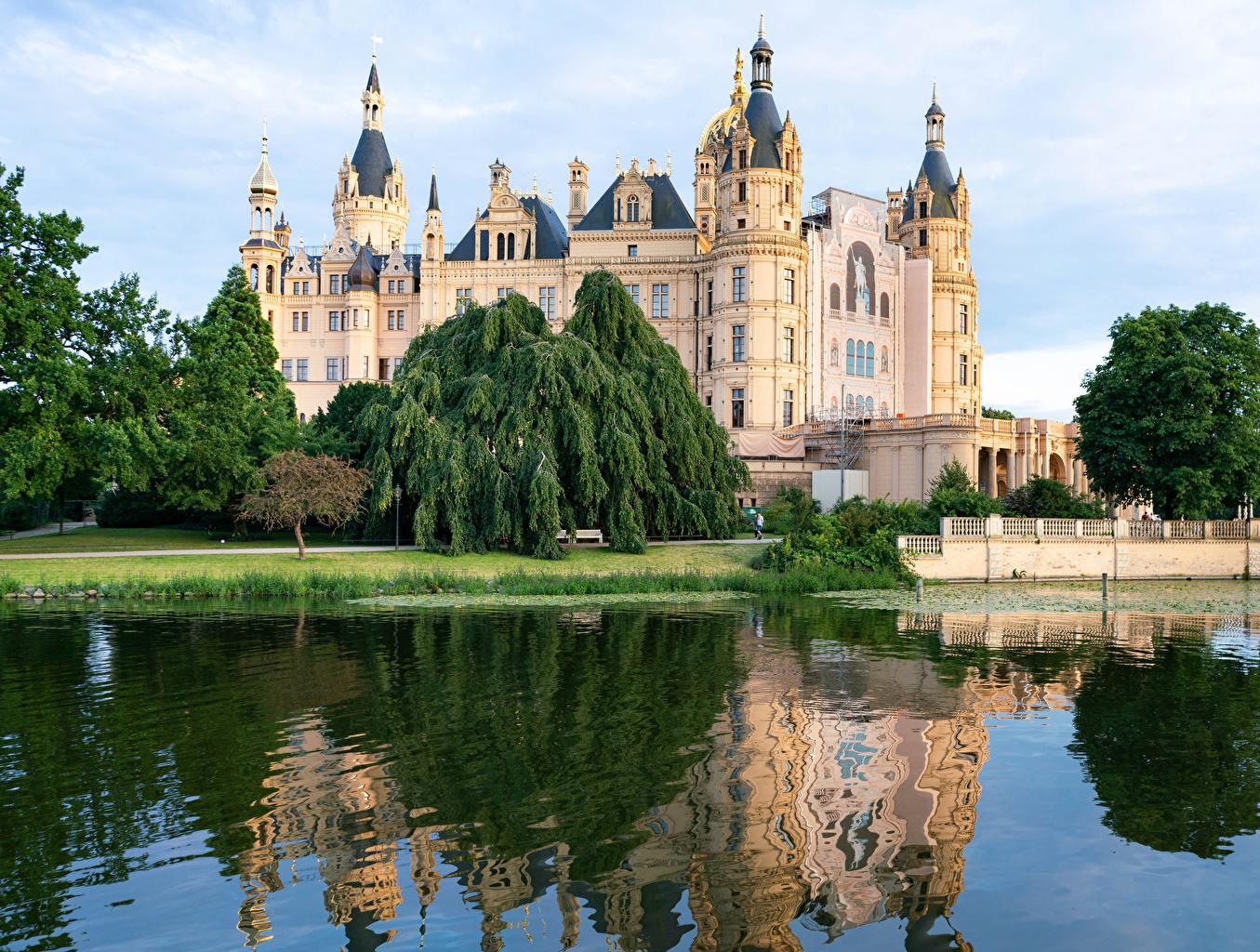 Bilder Deutschland Schwerin castle Burg See Städte