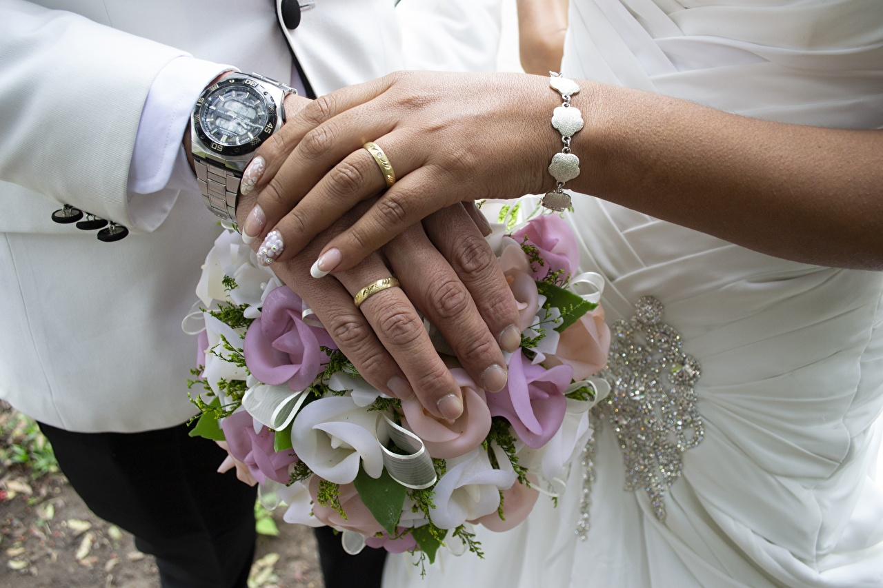 Image marriage Watch bouquet 2 Clock Ring Hands Fingers noces Wedding Bouquets Two jewelry ring