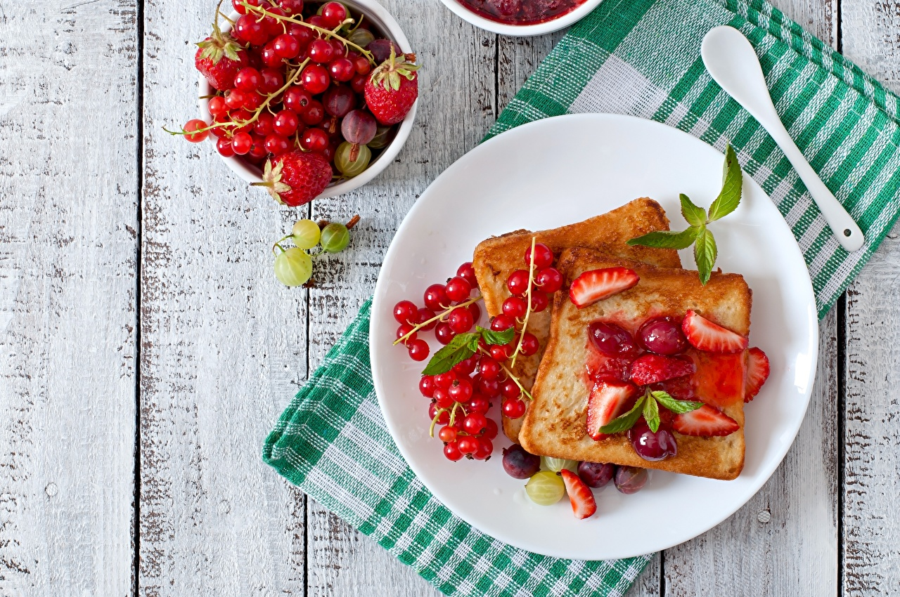 Image toast Bread Currant Strawberry Gooseberry Food Berry Plate