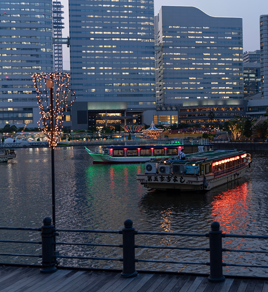 Pictures Japan Yokohama Riverboat Rivers Evening Fairy lights Houses Cities river Building