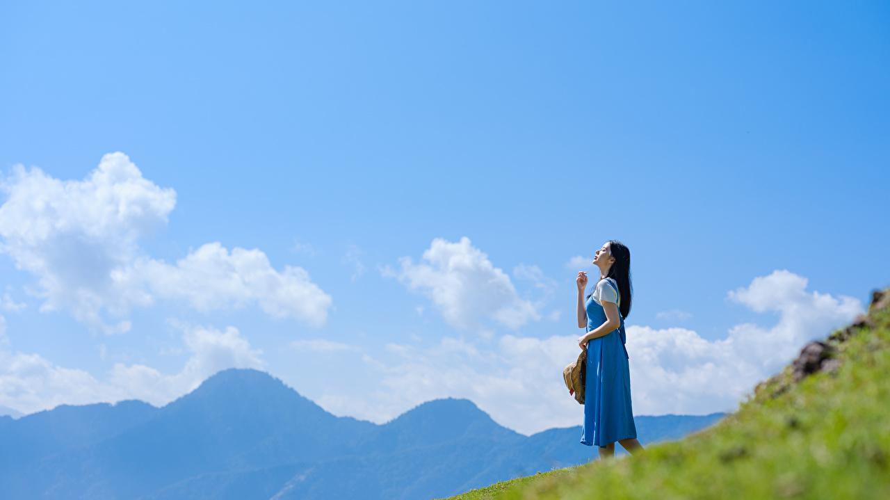 Bilder junge frau Himmel Asiaten Wolke Mädchens junge Frauen Asiatische asiatisches