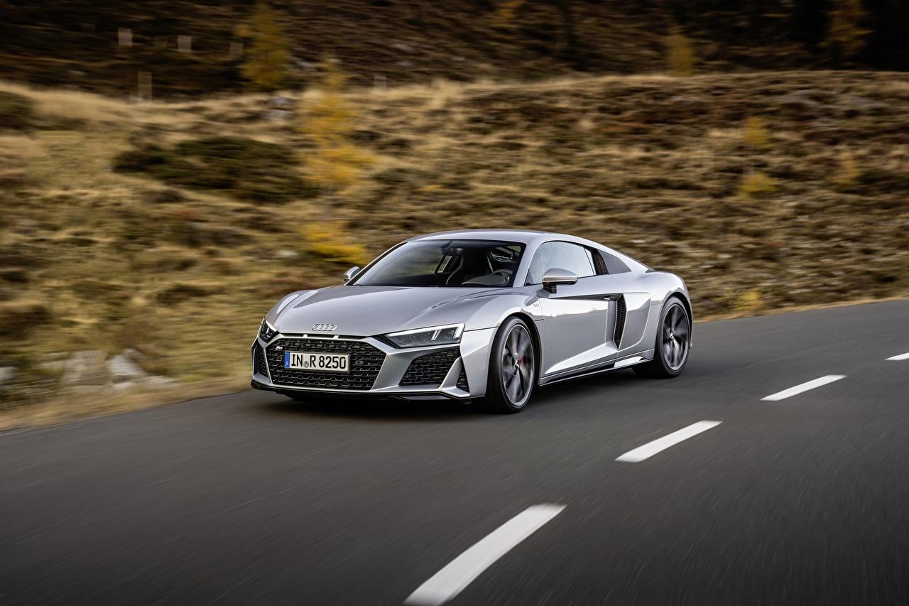Fotos Audi R8, V10, 2020, RWD Coupe Grau Bewegung auto Metallisch graue graues fährt fahren fahrendes Geschwindigkeit Autos automobil