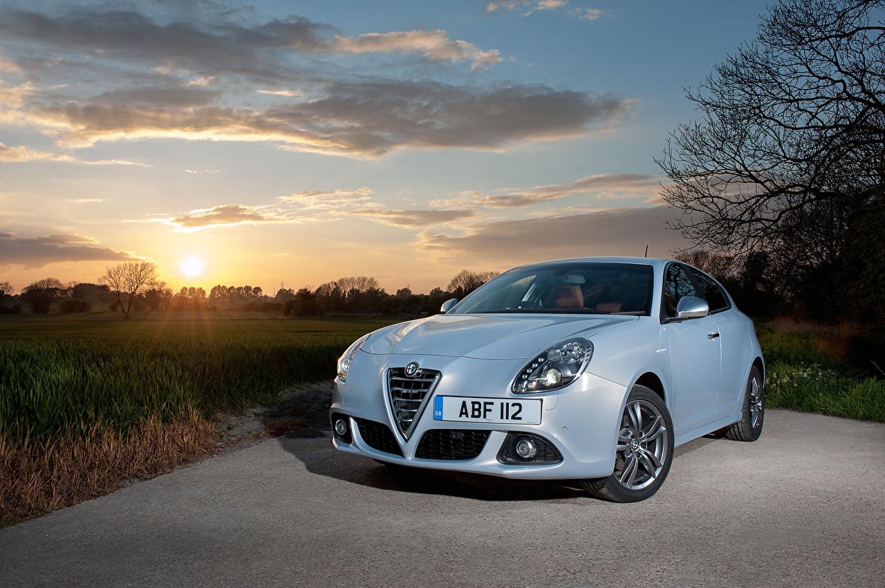 Image Alfa Romeo 2014-16 Giulietta Light Blue Metallic automobile Cars auto