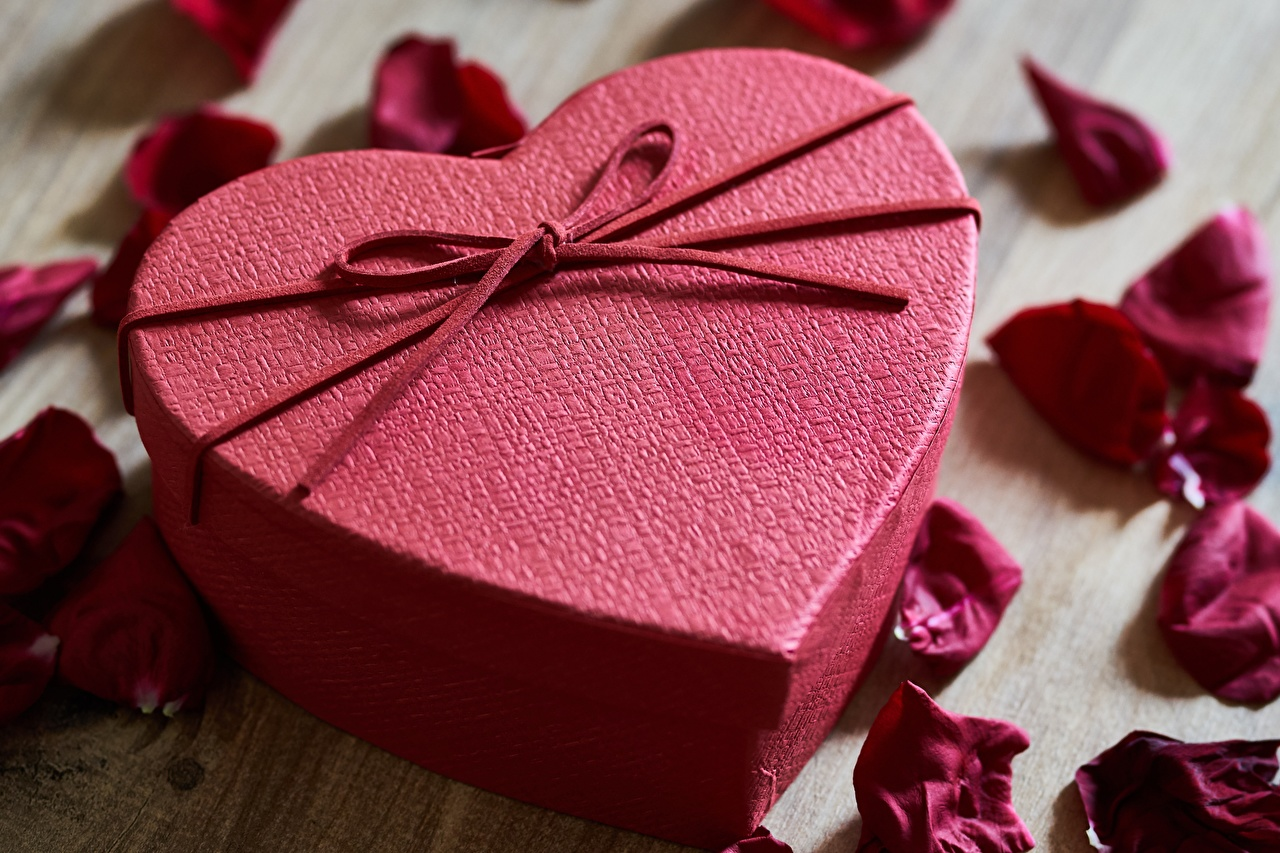 Image Valentine's Day Heart Petals Box Gifts Bowknot present bow knot
