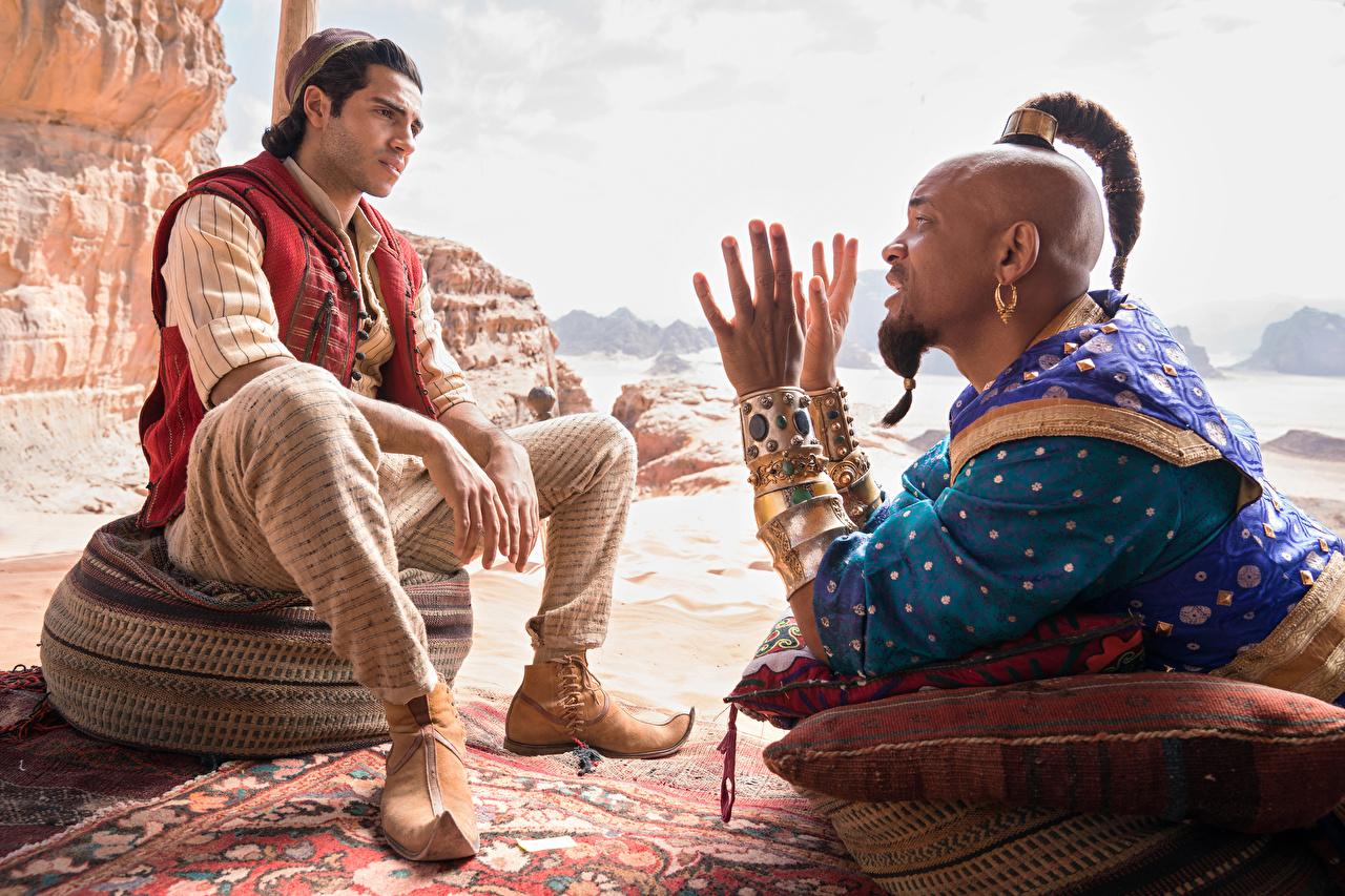 Foto Will Smith Mann Aladdin (2019, Mena Massoud Neger Film Hand Sitzend Prominente Schmuck sitzt sitzen