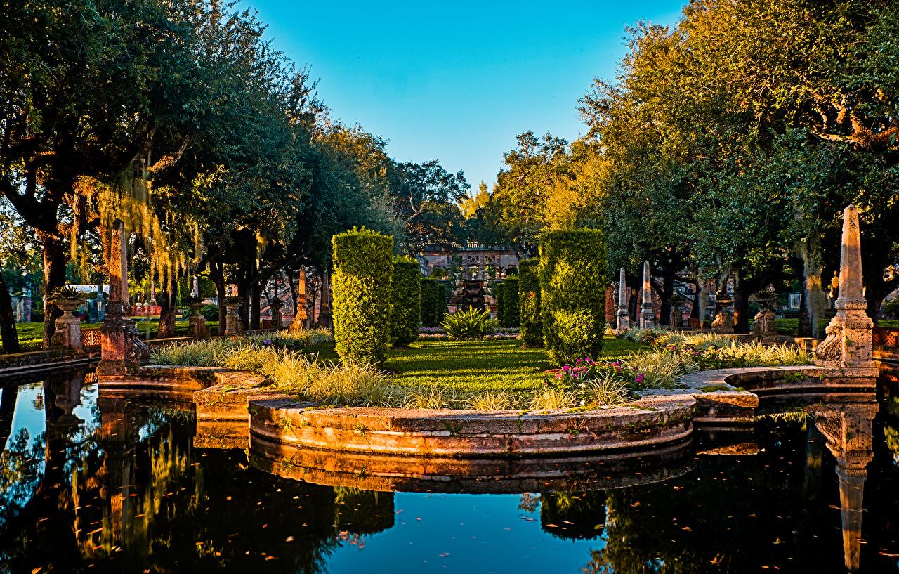 Fotos von Miami USA Vizcaya Museum and Gardens Natur Teich Garten Bäume Strauch Design Vereinigte Staaten