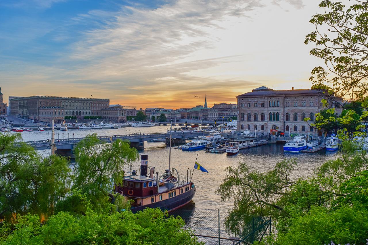 Bilder von Stockholm Schweden Brücken Binnenschiff Flusse Schiffsanleger Haus Städte Bootssteg Seebrücke Gebäude