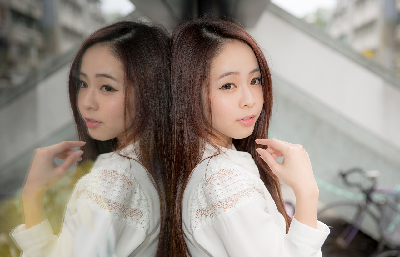 Images Brown haired blurred background Girls Asian reflected Hands Staring Bokeh female young woman Asiatic Reflection Glance