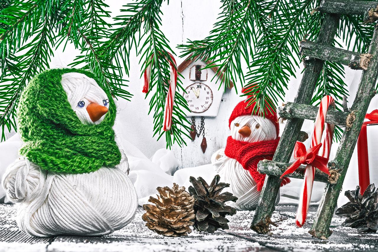 Desktop Hintergrundbilder Neujahr Uhr Schneemänner Ast Zapfen