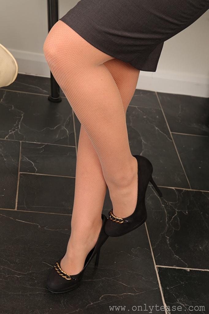 Foto Strumpfhose Mädchens Bein High Heels  für Handy junge frau junge Frauen Stöckelschuh