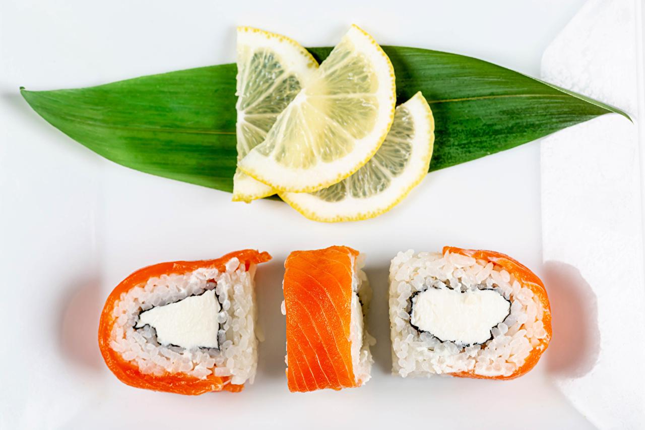 Fotos von Blatt Sushi Zitrone Fische - Lebensmittel Drei 3 Lebensmittel Blattwerk Zitronen das Essen